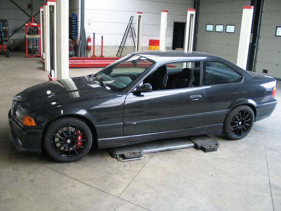 BMW E36 M3 3.0